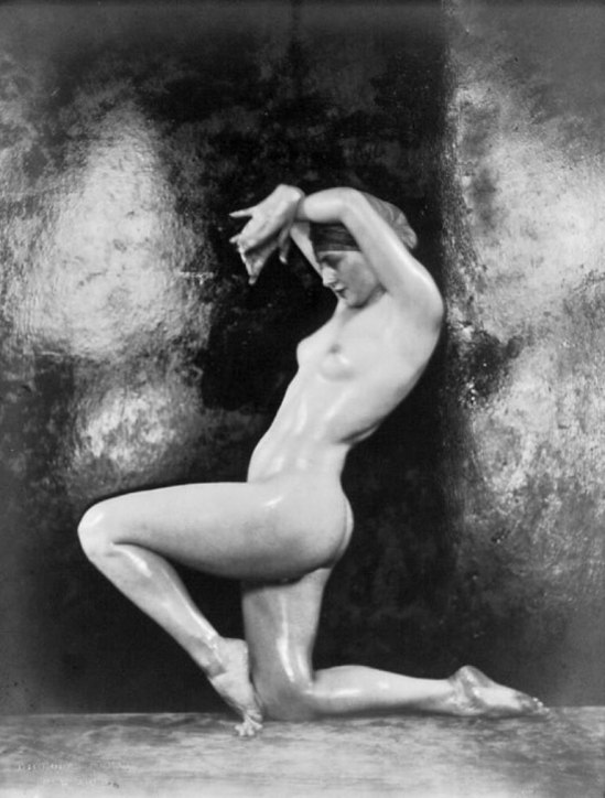 Nickolas Muray. Nude female dancer (Martha Lorber) 1925. Via liveauctioneers