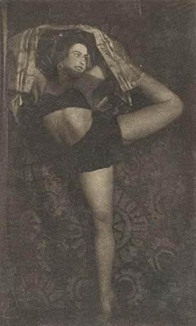 Alexander Grinberg. Danseuse 1926. Via mutualart