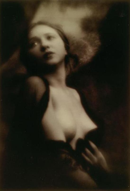 Alexander Grinberg. Portrait de femme vers  1913-1914. Via RMN