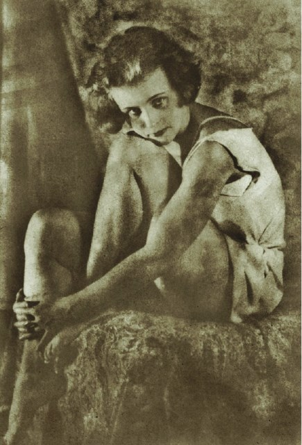 Alexander Grinberg. Sitting girl 1928. Via russianpictorialism