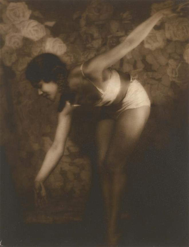 Alexander Grinberg. The dancer  Sylvia Chen. Via mutualart