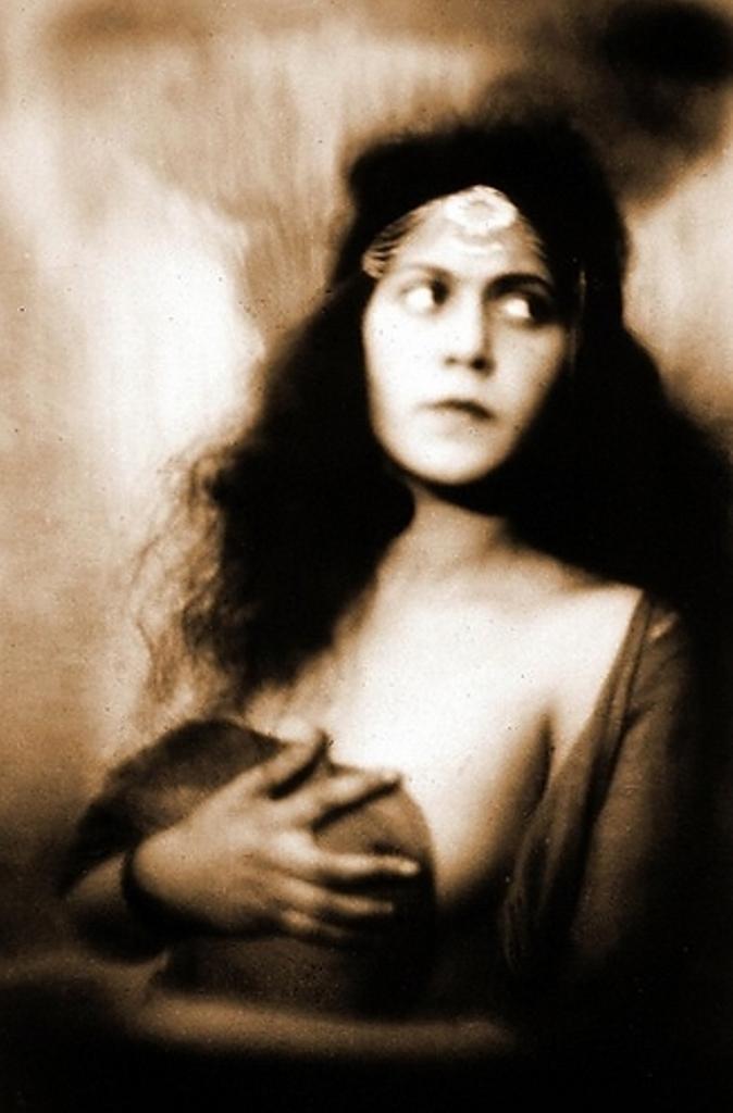 Alexander Grinberg11. The art of symbolism 1920. Via russianphotographs
