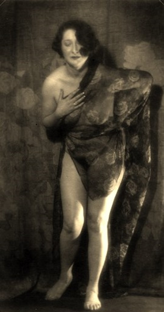 Alexander Grinberg. Nu 1915-1920 Via russianphotographs.jpg2