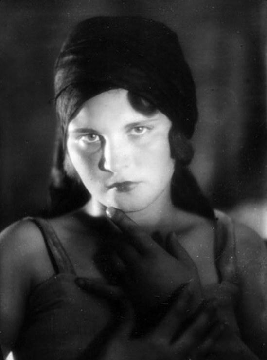 Alexander Grinberg2. Portrait 1920. Via russianphotographs.net