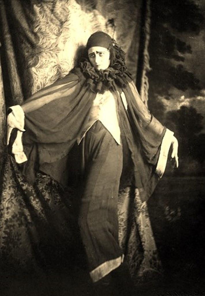 Alexander Grinberg20. The art of symbolism 1920. Via russianphotographs