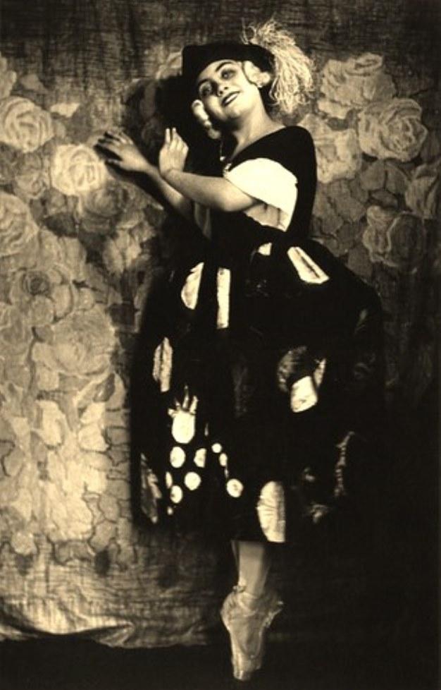 Alexander Grinberg23. The Art of Symbolism 1920. Via russianphotographs