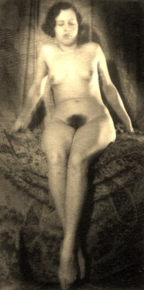 Alexander Grinberg27. Nu 1915-1930 Via russianphotographs.jpg2