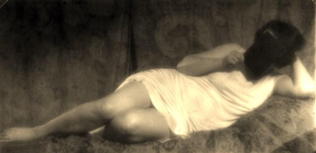 Alexander Grinberg28. Nu 1915-1920 Via russianphotographs.jpg2
