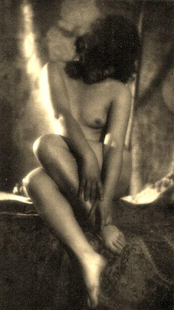 Alexander Grinberg29. Nu 1915-1930 Via russianphotographs.jpg2