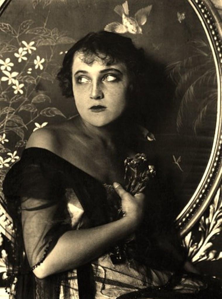 Alexander Grinberg4. Portrait 1920. Via russianphotographs.net