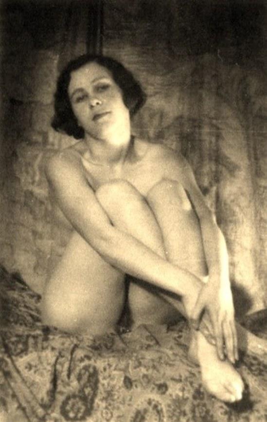 Alexander Grinberg7. Nu 1915-1930 Via russianphotographs.jpg2
