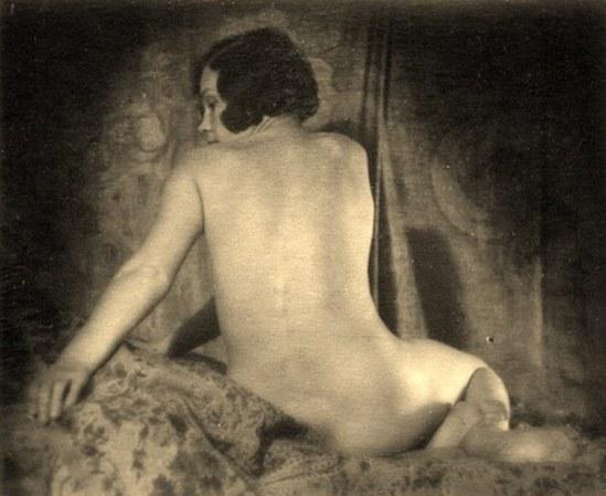 Alexander Grinberg8. Nu 1915-1920 Via russianphotographs.jpg2