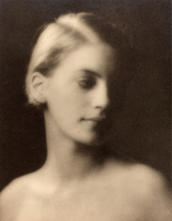 Arnold Genthe. Lee Miller  1927 Via vam.ac.uk