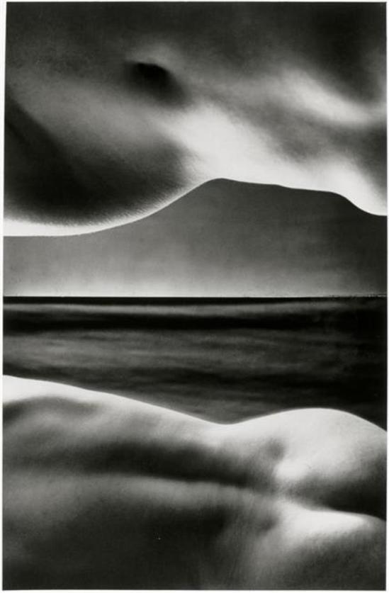 Brassaï. Ciel postiche vers 1932-1934. Via RMN