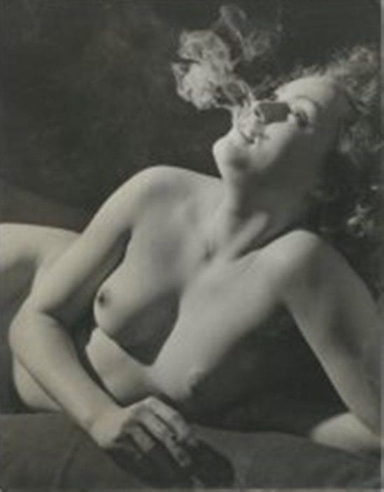 Brassaï. Nu à la cigarette Paris 1937 Via drouot