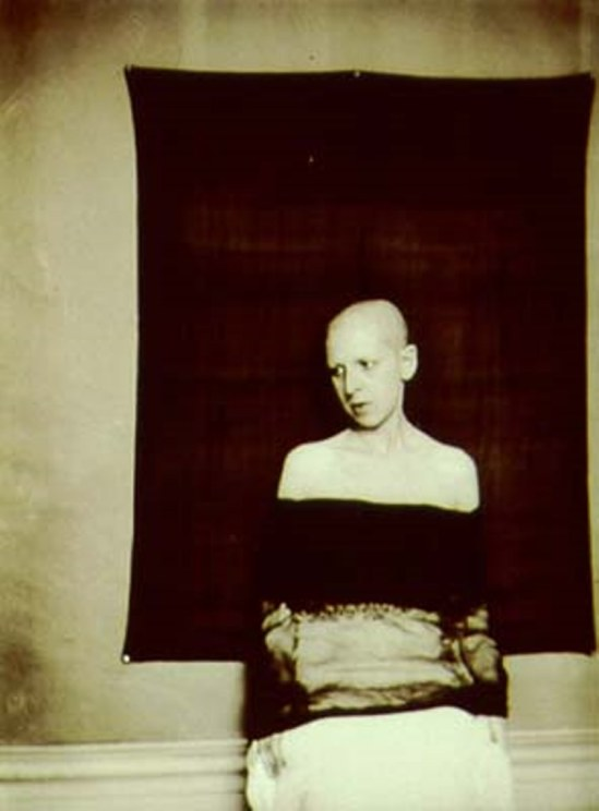Claude Cahun, Self-portrait, 1921. Via theredlist