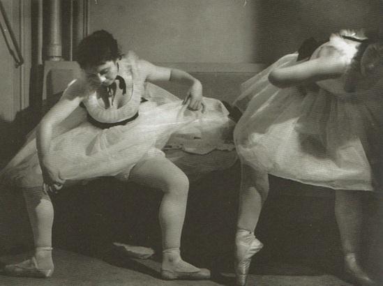 Danseuses Brassaï 1933. Via sokaris