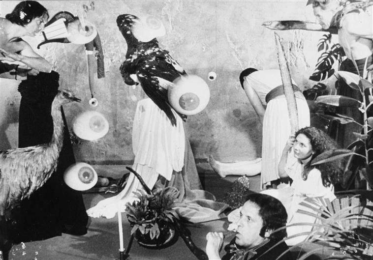 De la femme 100 têtes. Adaptation libre et partielle de 1968 de l'oeuvre de Max Ernst Via RMN