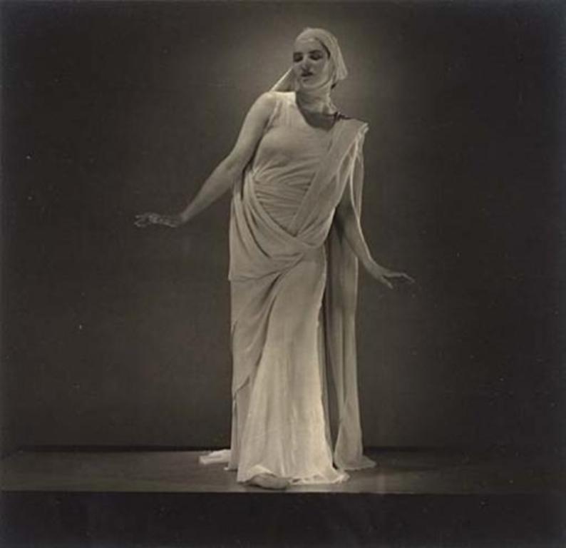 Edward Steichen. Florence Homolka 1936. Via mutualart