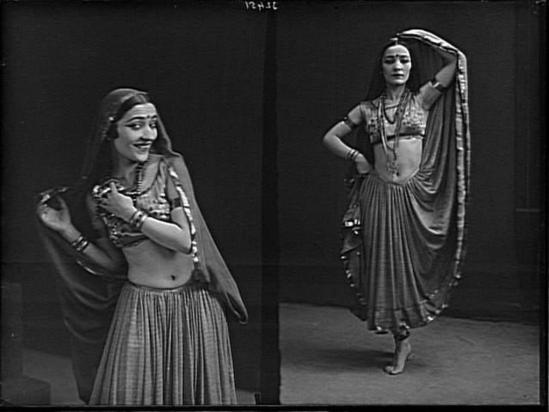 François Antoine Vizzanova. Mlle Cosilka-Vrandja en danseuse 1926. Via RMN