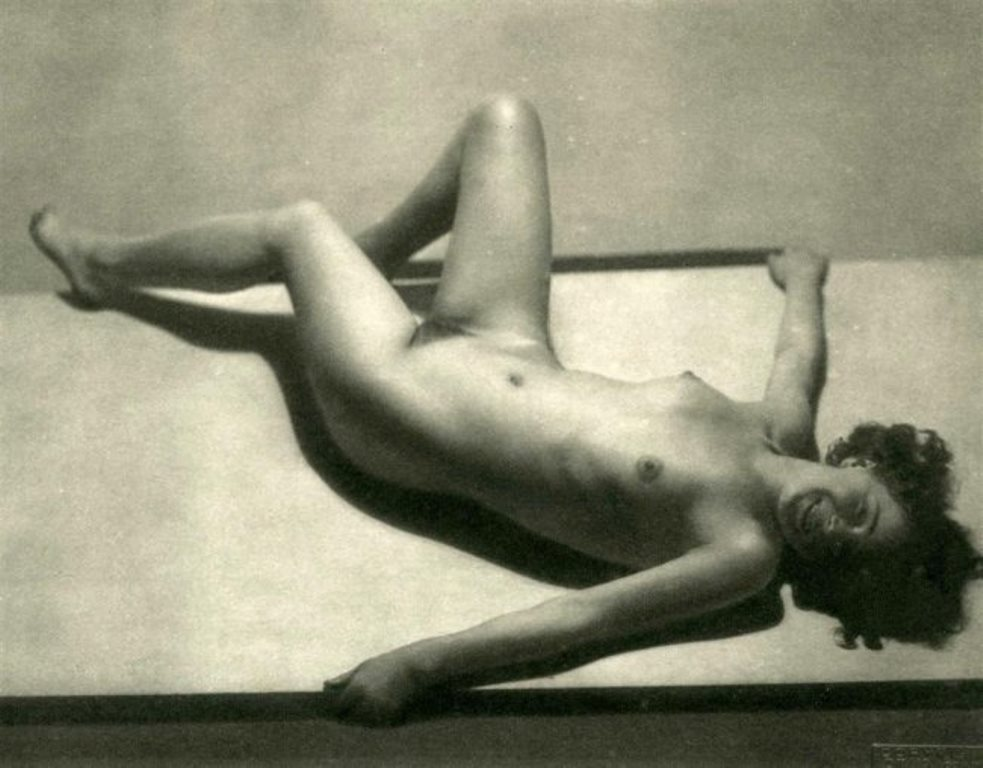 Frantisek Drtikol . Nude #39 1933 Via liveauctioneers