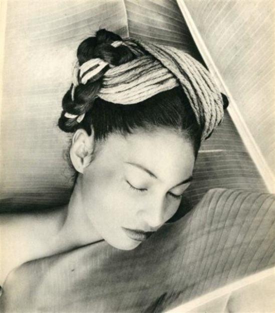 Fritz Henle.Composition 1947.Theredlist