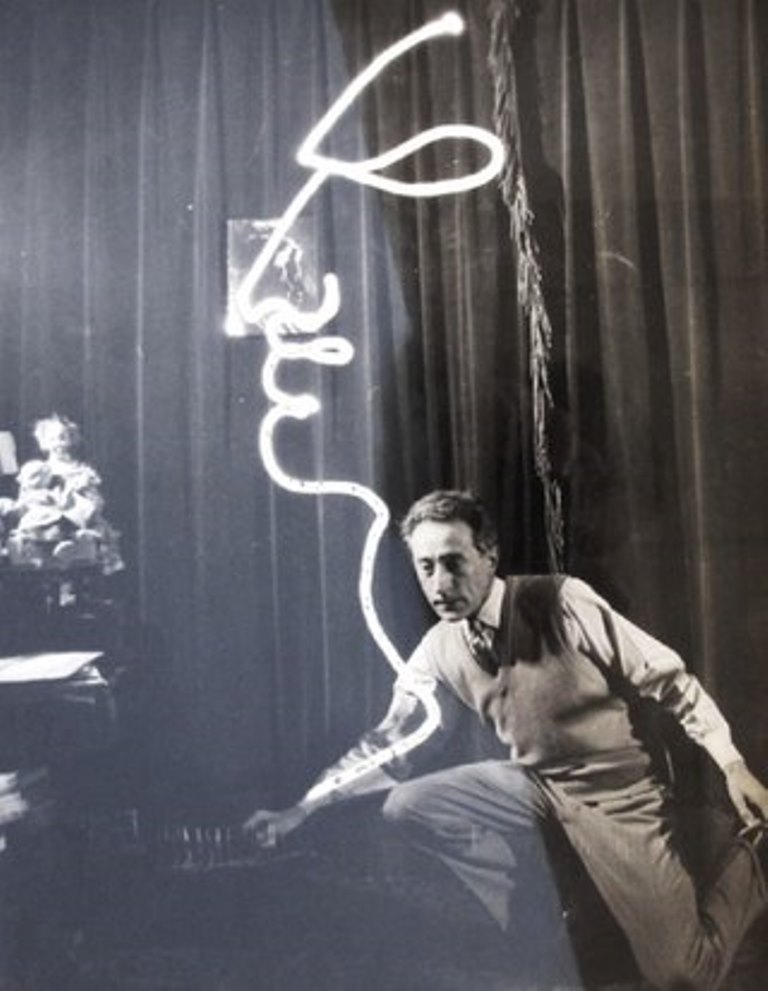 Jean Cocteau. Light painting 1950 Via vk.com