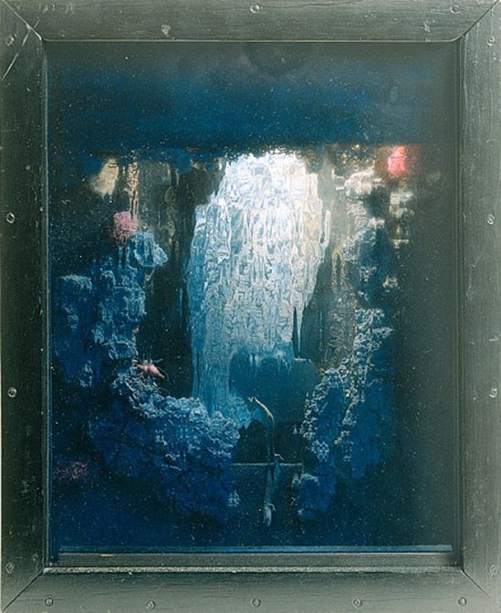Joseph Cornell. Untitled (Owl box) entre 1946-1948 Via NGA