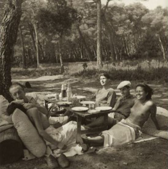 Lee Miller. Nusch et Paul eluard, Roland Penrose, Man Ray et Ady Fidelin 1937 Via photosapiens