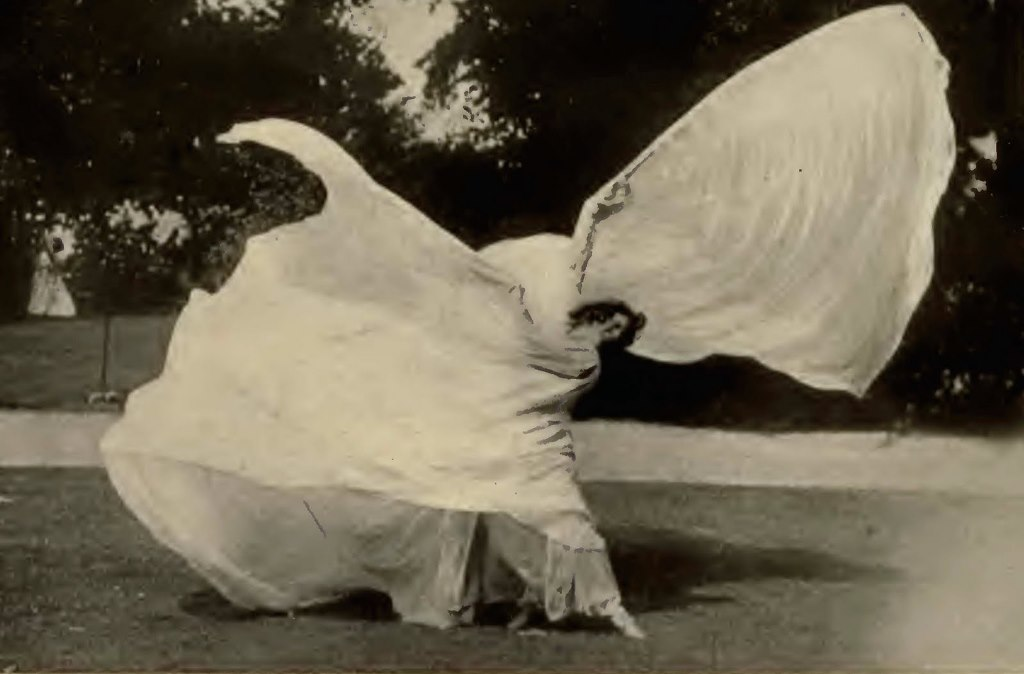 Loïe Fuller. The dance of flame 1902. From  from Fuller's autobiography 15 Years of a Dancer's Life Via cynthiashidesertblog