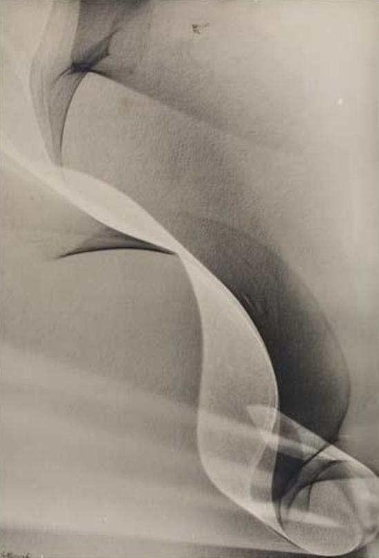 Lotte Jacobi. Photogenic 1940 Via mutualart