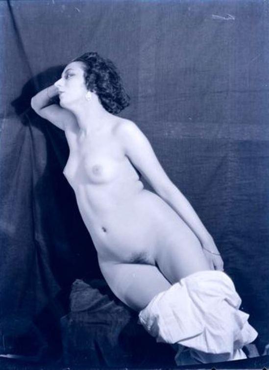 Man Ray. Kiki de Montparnasse 1922. Via RMN
