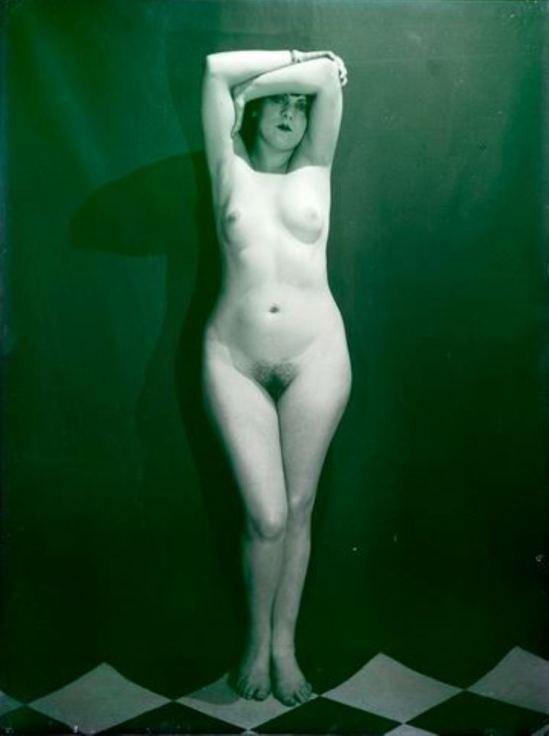 Man Ray. Kiki de Montparnasse 1924. Via RMN