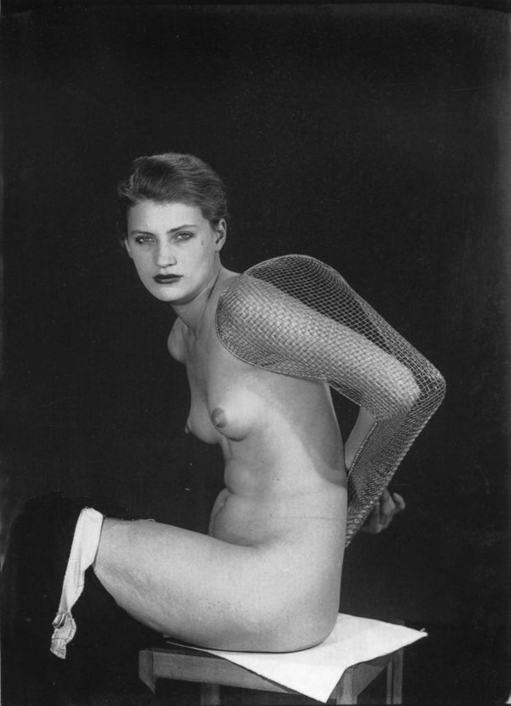 Man Ray. Lee Miller 1930 Via pictify