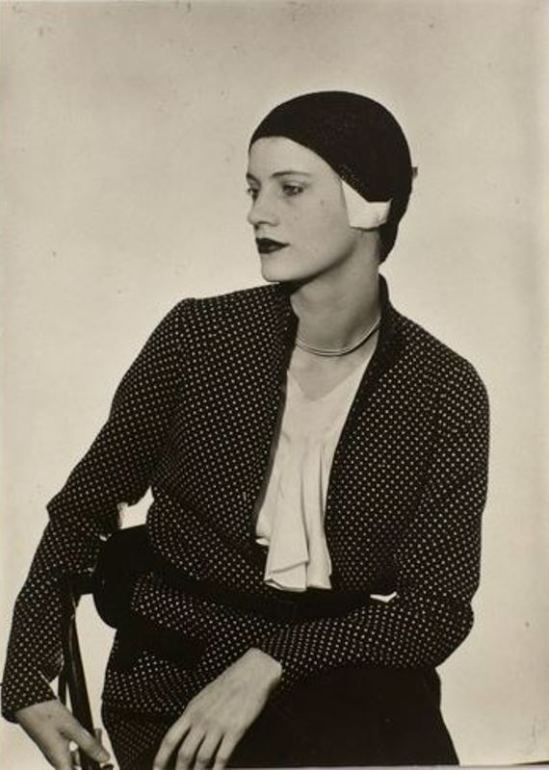 Man Ray. Lee Miller au chapeau vers 1929-1932 Via RMN