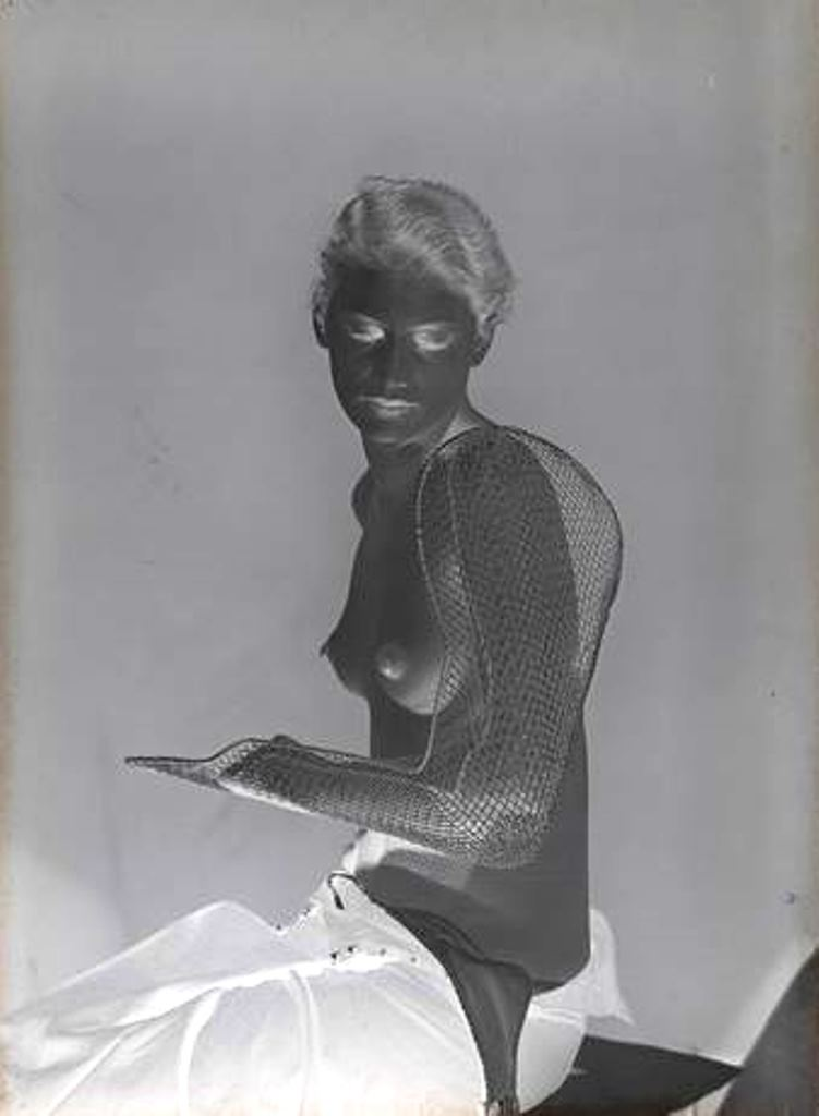 Man Ray. Lee Miller vers 1930 Via RMN