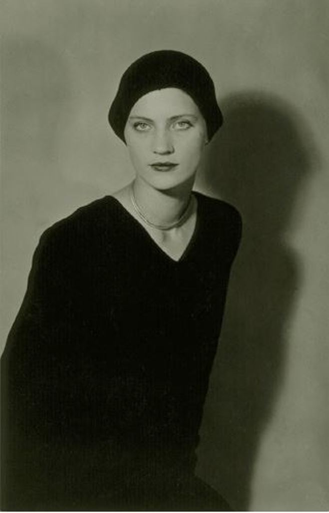 Man Ray4. Lee Miller vers 1929-1932 Via RMN