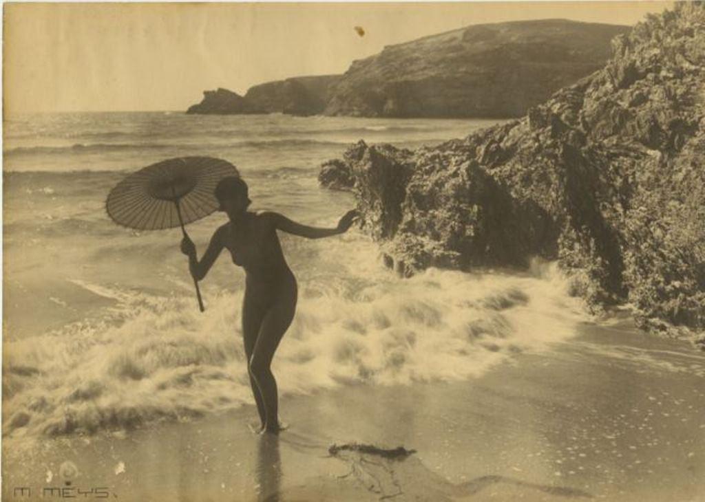 MARCEL MEYS Etude de nu à la plage 1930. Via ebay