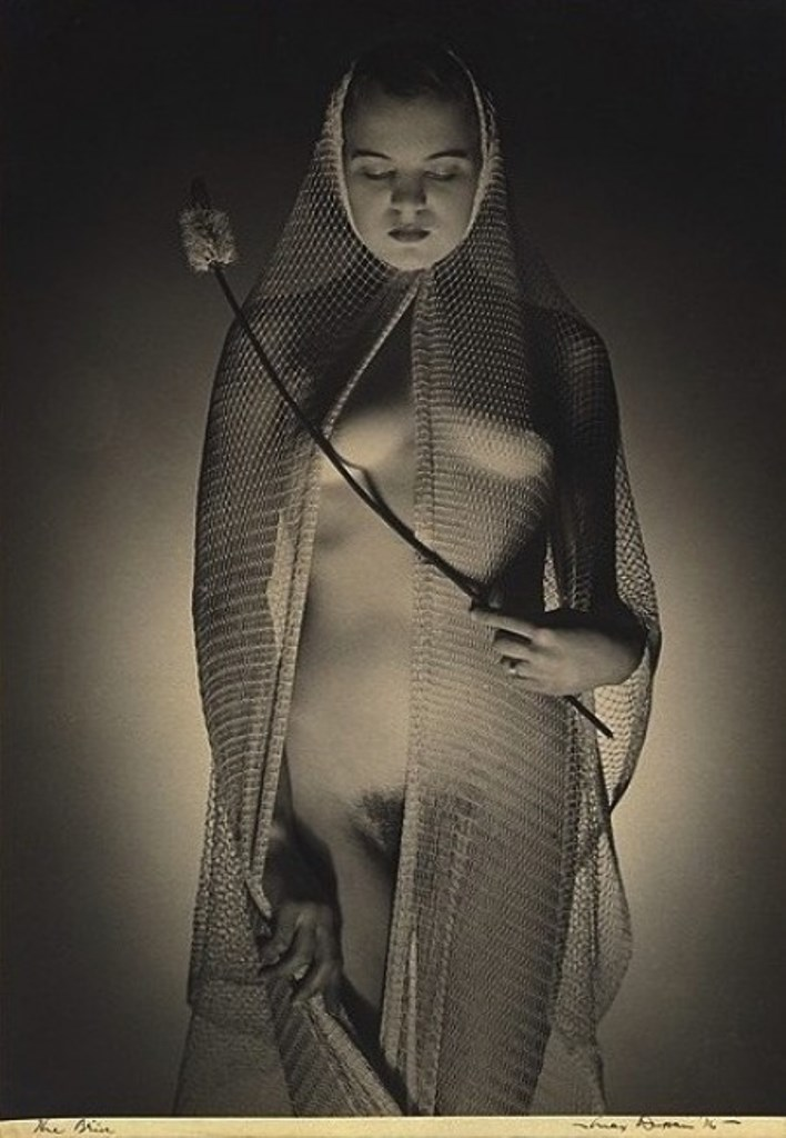 Max Dupain. The bride 1936. Via kamerawork