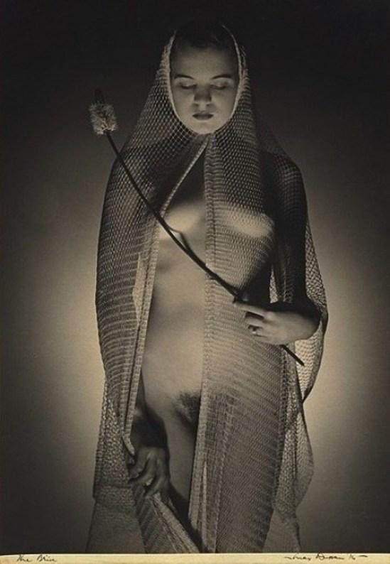 Max Dupain. The bride 1936. Via kamerawork