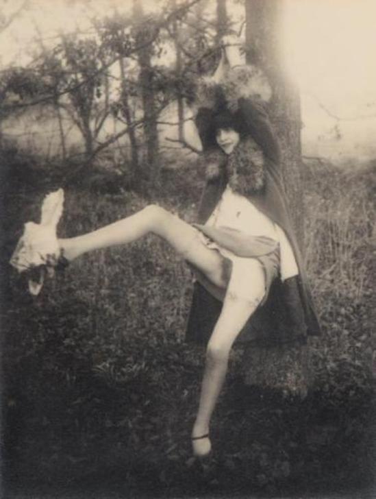 Monsieur X. Femme à l'arbre, ca. 1935 Via drouot