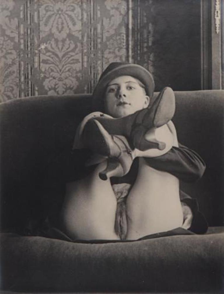 Monsieur X. Jeune femme au chapeau, ca. 1930 Via drouot