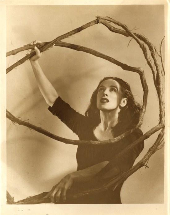 Photographe inconnu. Martha Graham in Salem Shore Via LOC