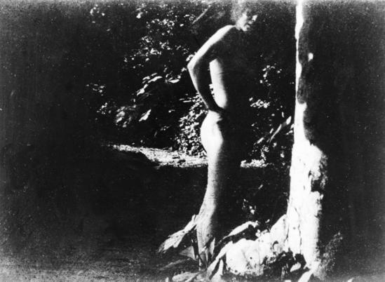 Pierre Bonnard.1900-1901. Jardin de Montval. Marthe Bonnard. RMN