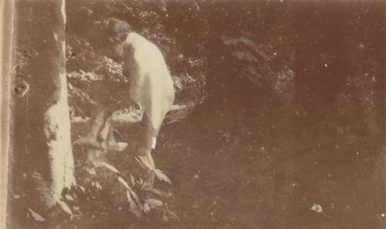 Pierre Bonnard12. Marthe Bonnard vers 1900-1901. RMN