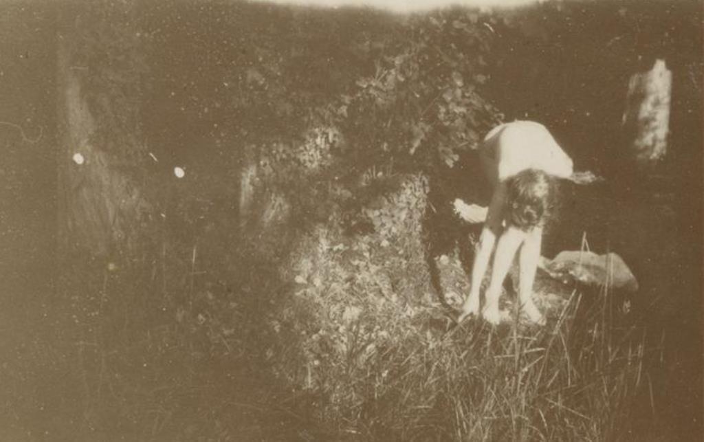 Pierre Bonnard14. Marthe Bonnard vers 1900-1901. RMN