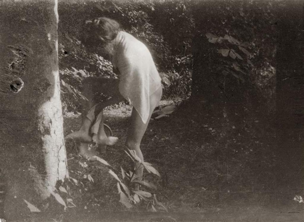 Pierre Bonnard15. Marthe Bonnard vers 1900-1901. RMN