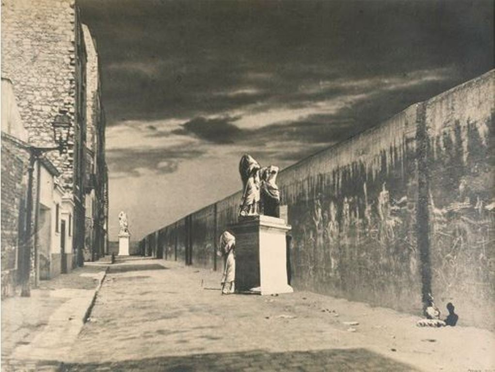Raoul Ubac. La rue derrière la gare 1936. Via RMN
