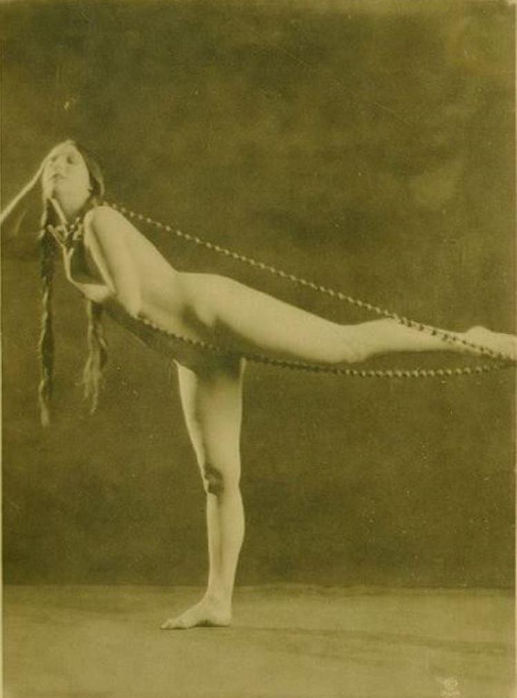Alexander J. Stark. Olive Ann Alcorn 1910-1920 Via historicalzg