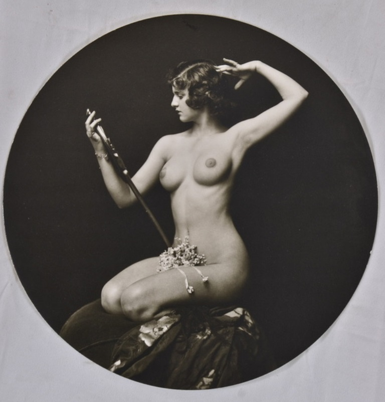 Alfred Cheney Johnston.  Dorothy Flood Via historicalzg